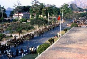 Pasukan Portugal di depan Kantor Pemerintahan Portugis-Timor-1972